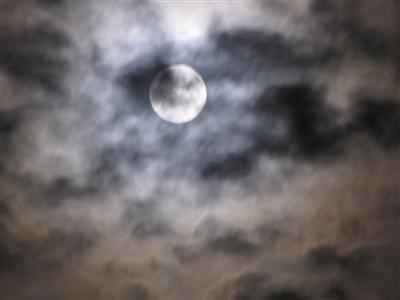 MoonCloudy-IMG 4186 (400x300)